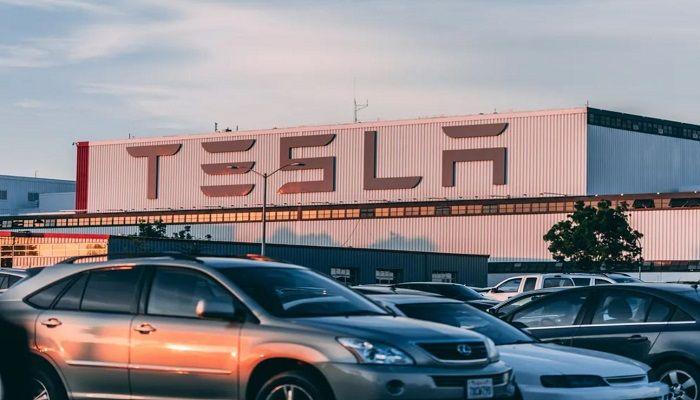 Tesla nuove auto elettriche