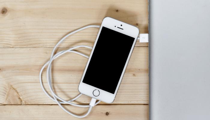 iPhone 12 cavo