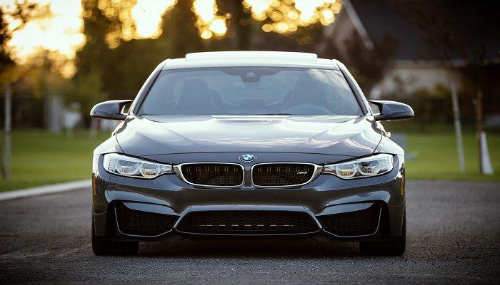 BMW auto elettrica BMW i5