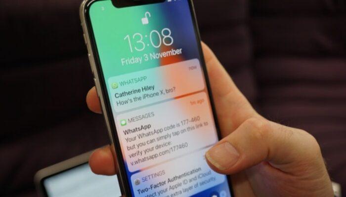 WhatsApp: ogni utente può spiare chi vuole gratis e semplicemente