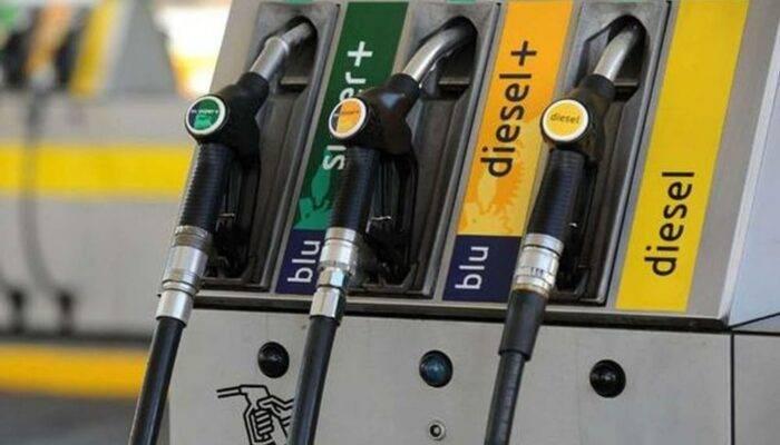Benzina: prezzo alle stelle, 1,65 al litro come a fine 2018